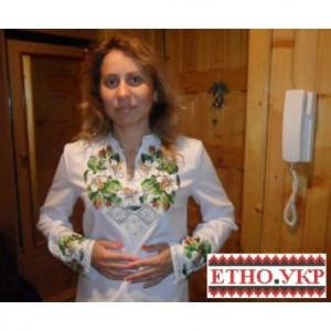 """Заготовка жіночої блузки під вишивку """"Білі лілії в орнаменті"""""""